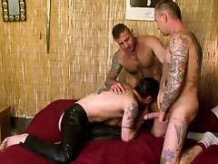 Gay double penetration - Factory Video