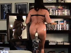 Oiled Up CD & Her Fuck Machine On Cam