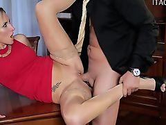 Sexy Hausfrau asslick
