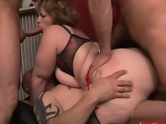 Young pornstar cum in pussy