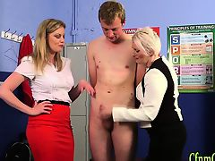 Mature brit domina jerk