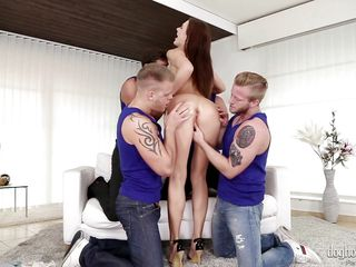 tina kay likes gang bang @ 4 on 1 gang bangs