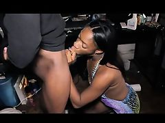 Voluptuous ebony tart takes a relentless quiver bone in her
