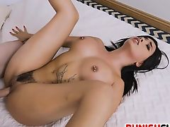 Muslim chic Aaliyah Hadid is roughed up by some good dicking