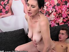 21Sextreme Granny Loves Riding Young Dick