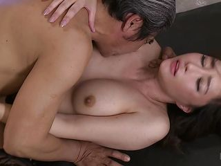 japanese milf likes it deep