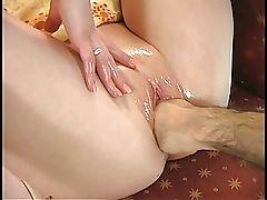 Justine Joli Fisting