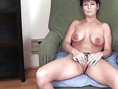 MILF Kassandra's Uninhibited Orgasm