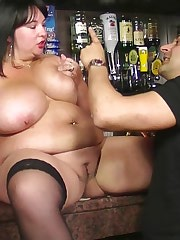 Thick BBW brunette done in bar