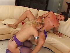 Sexy blonde loves raw sex
