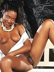 Sexy Ebony Pussy Diddling