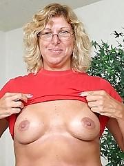 Granny Alicia Pussy Spreading