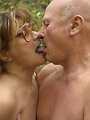 Anna Live GILF Outdoor Sex