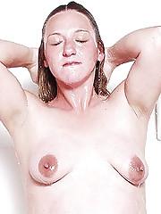 Preggy Belly Bathing